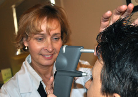 Akron eye pressure test for glaucoma